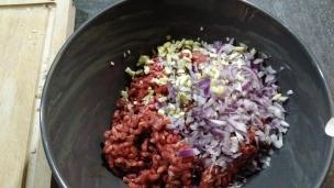 mélangez le tout à la viande hachée